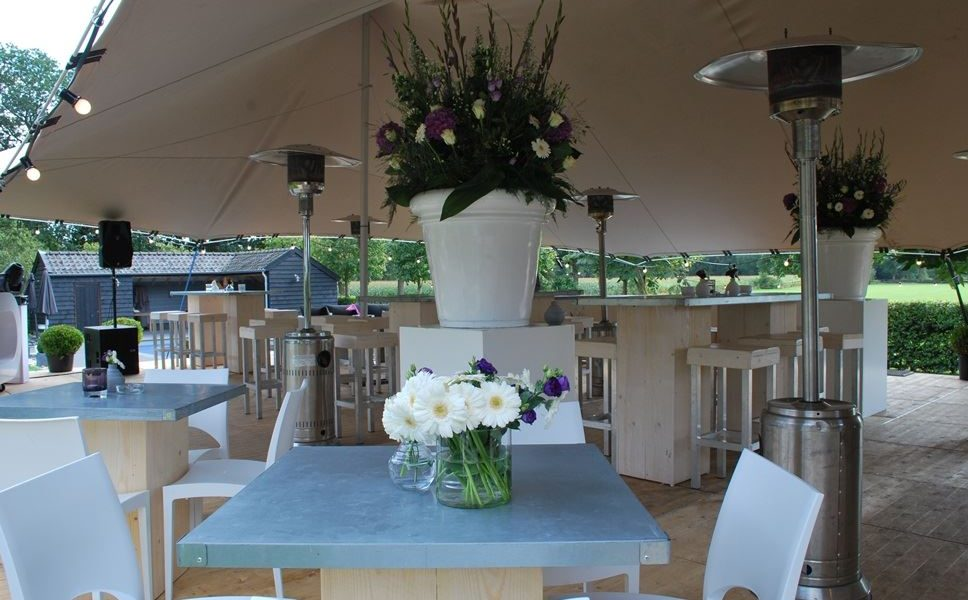 stern partyservice en catering shelter tent bloemen